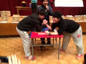 腕相撲大会代表らび